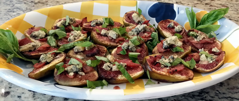 Roasted Figs with Bacon & Blue Cheese